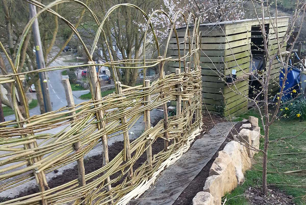 Willow screen- Ayurvedic Permaculture Garden Design, Finstock, Oxfordshire - Gaiaveda Gardens