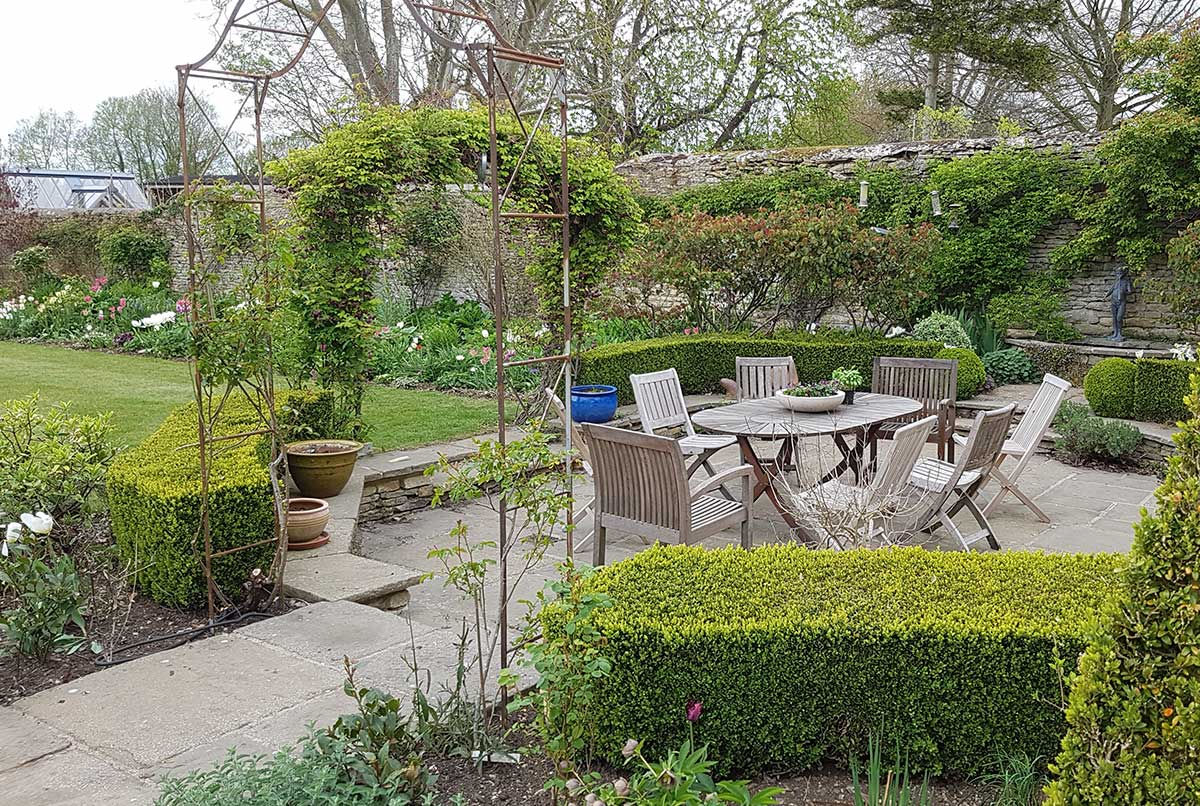 Seasonal Garden Maintenance Oxfordshire - Gaiaveda Gardens